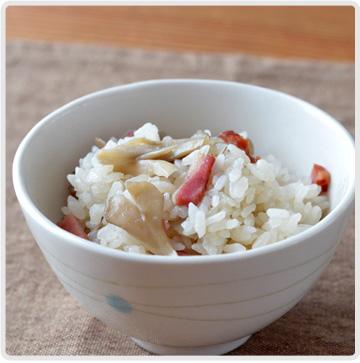 ベーコンと舞茸の炊き込みご飯イメージ