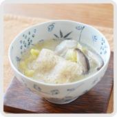 雑穀餅のせ白菜豆乳スープ